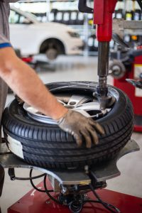 Know the Pros and Cons of Run-flat Tires